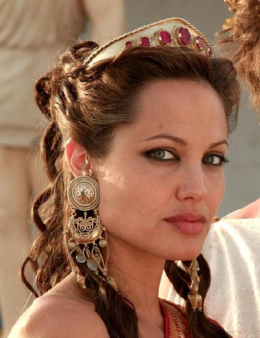 Анджелина Джоли в каффах