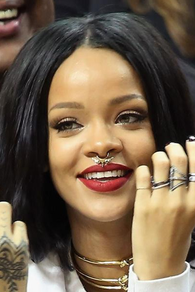Rihanna_septum_fake_2.jpg