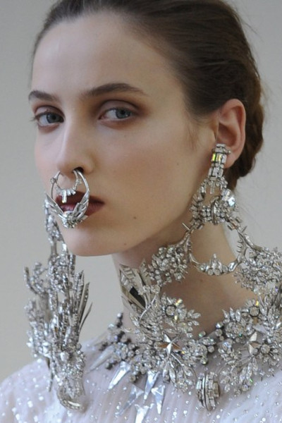 Givenchy-2012-fake-septum-ring.jpg