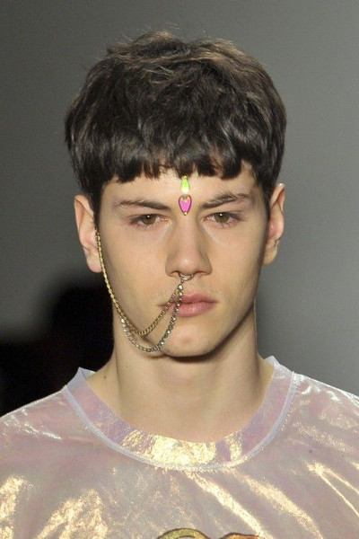 Jeremy_Scott_2013_nose_ring.jpg