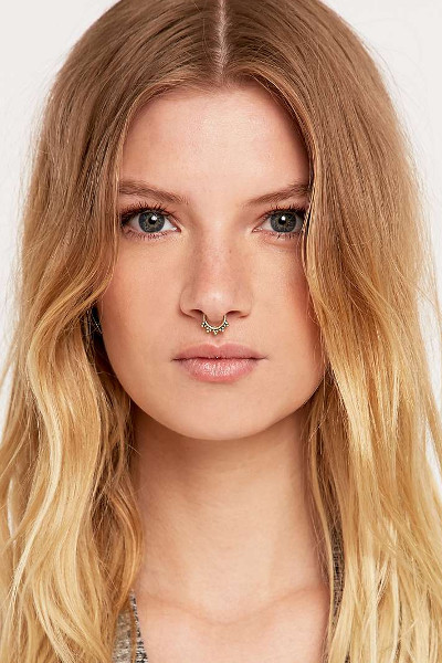 girls-septum-ring-7.jpeg