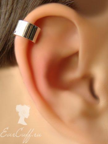 Три серебристые обманки для ушей
