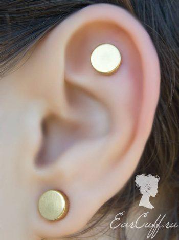 Три золотистые обманки для ушей